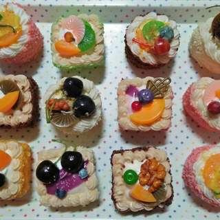 Display Squishy Poke Cakes