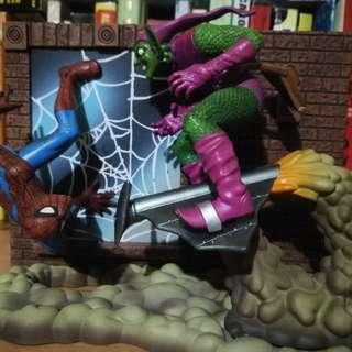 Spiderman and green goblin action scene