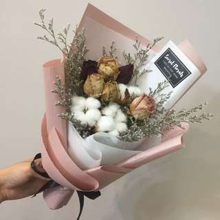Dried roses and cotton flower