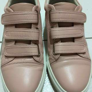 鞋(含運)36號