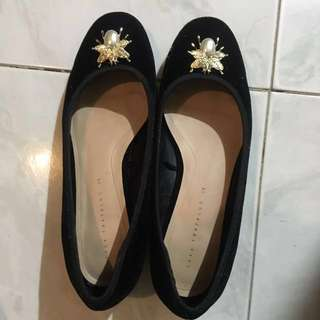 Zara flat shoes size 35