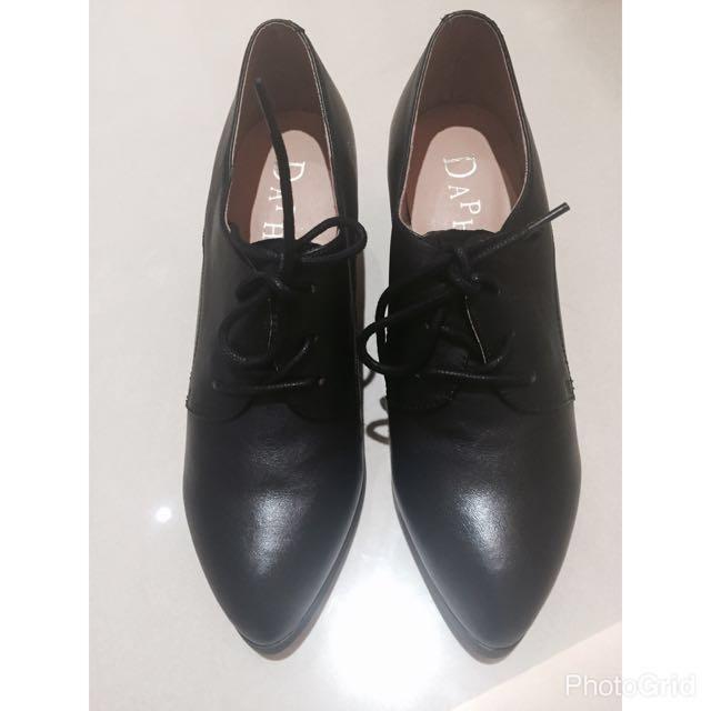 全新39碼(24.5)真皮 達芙妮 Daphne 黑色 牛津鞋 英倫 中跟鞋 粗跟鞋 單鞋 裸靴 尖頭