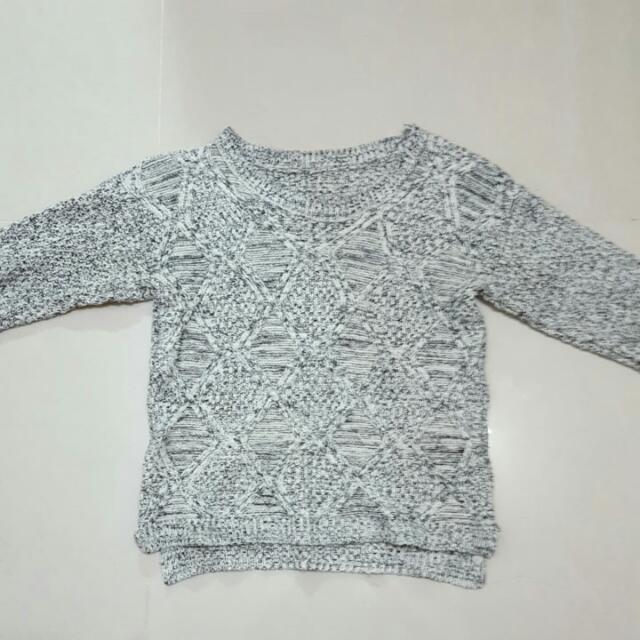 淺灰白針織毛衣