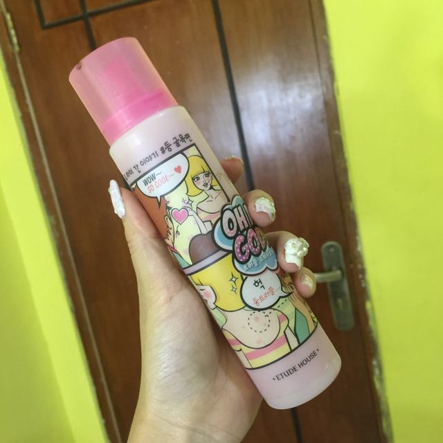 acne spray for body  by etude house