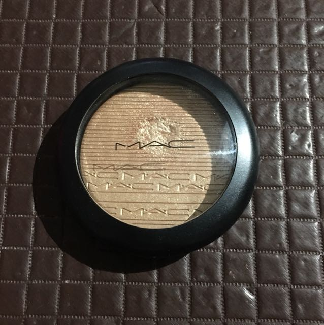 Authentic MAC Oh Darling Highlighter