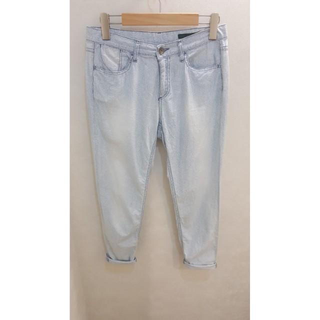 Benetton Jeans Regular 淺刷色復古紋路牛仔褲