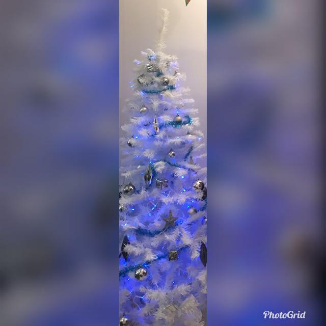 Christmas tree + ornaments and light