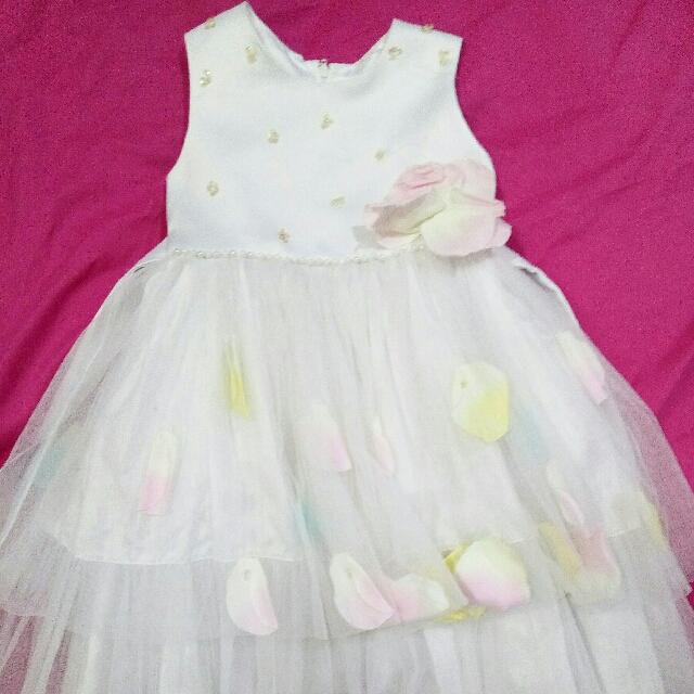 Dress pesta anak warna putih