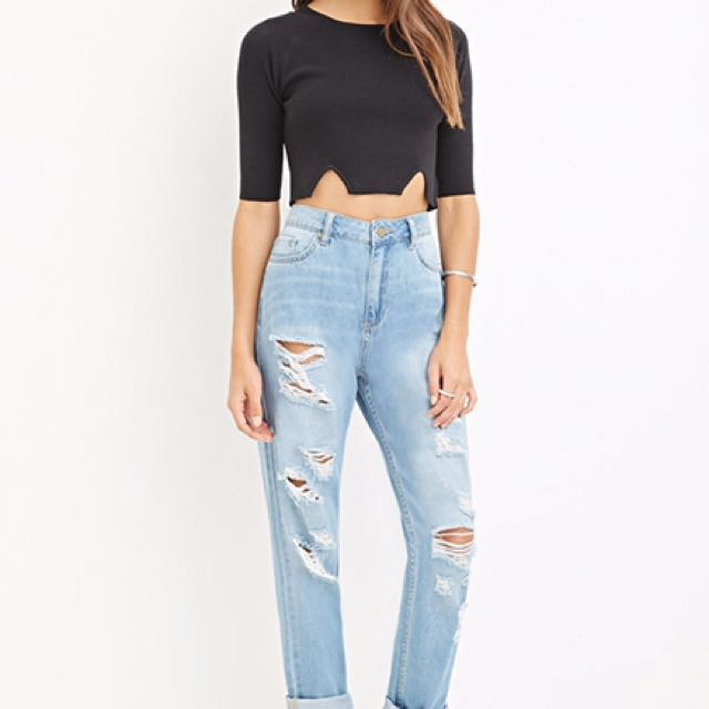 6aa6275c35a Forever 21 Distressed Boyfriend Jeans, Women's Fashion, Clothes ...