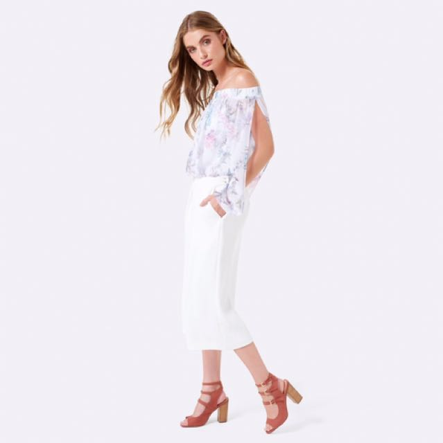 Forever New Dion Bardot Bodysuit Floral With Open Sleeves
