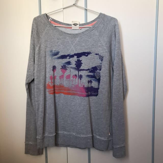 🌸Grey Beach Pullover/ Size 12