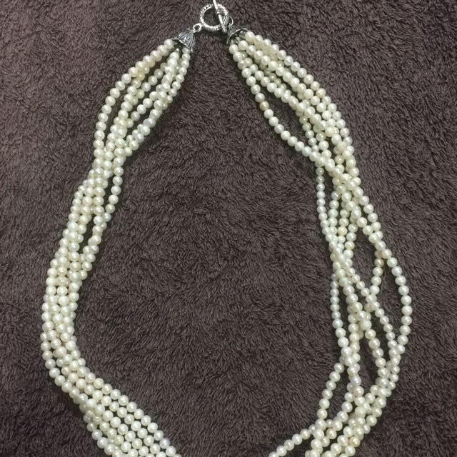 Long water pearl necklace
