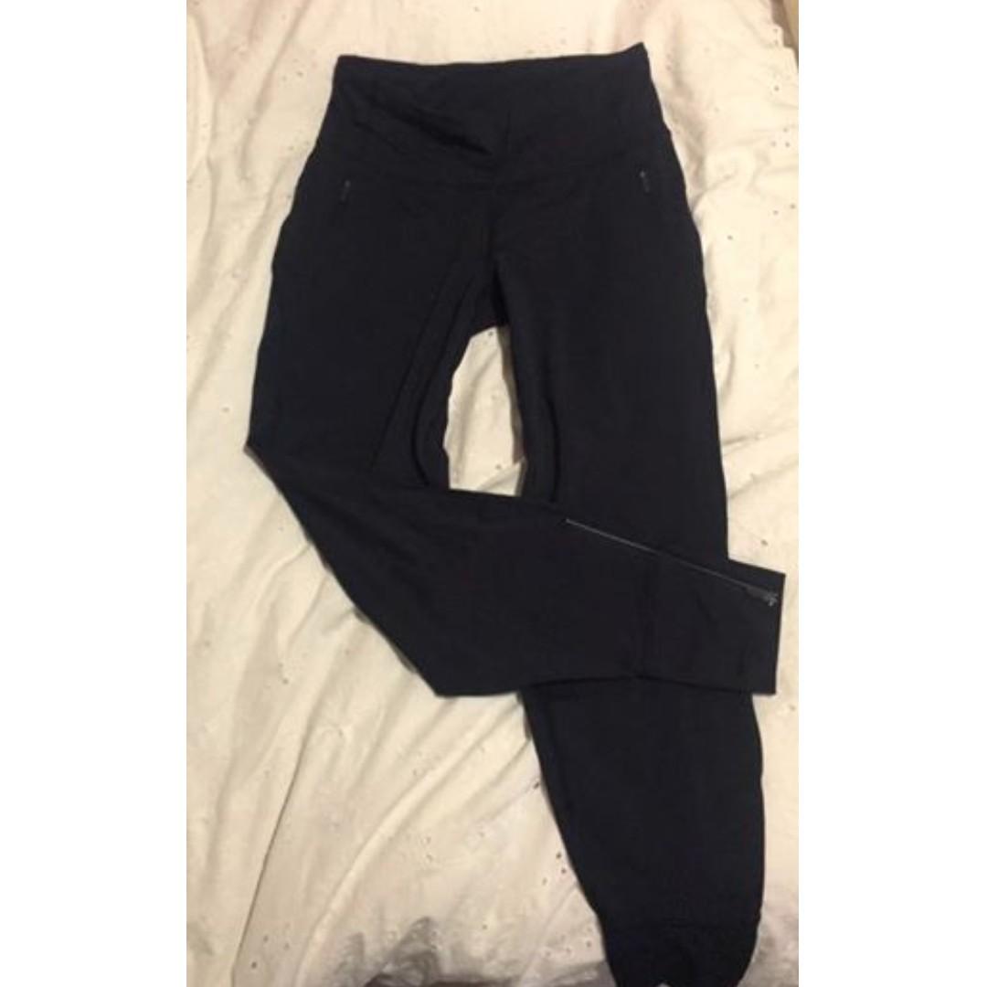 Lululemon joggers size 6 navy blue