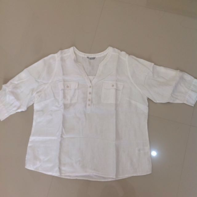 MARK AND SPENCER WHITE TEE BIG SIZE PRELOVED