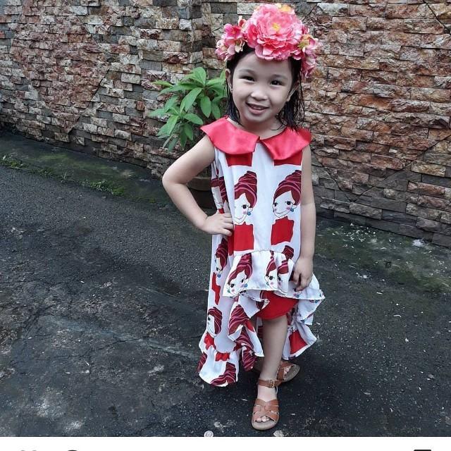Mikaelaandrelil top and skirt