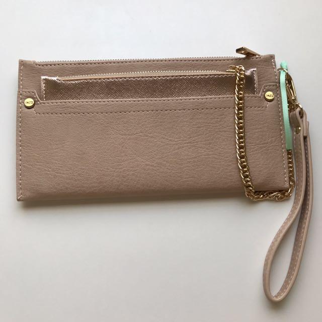 Oasis purse