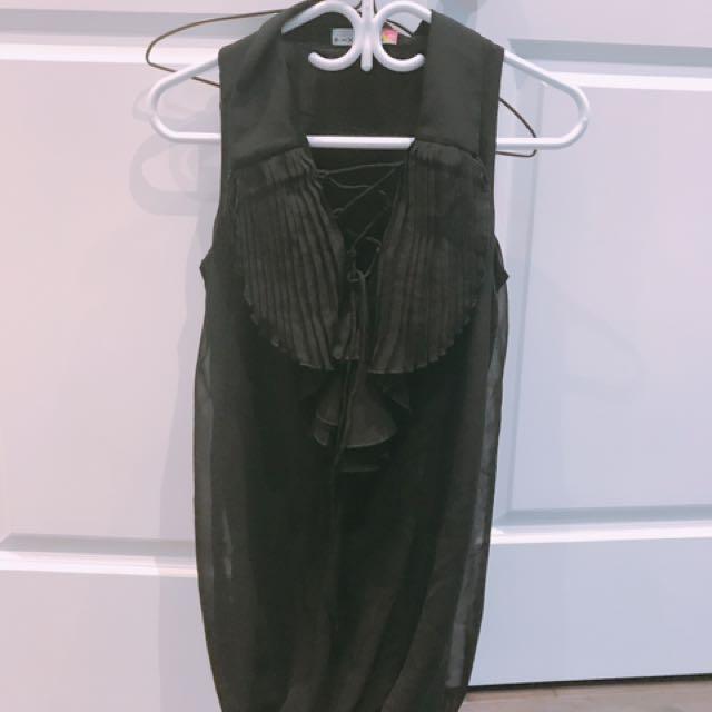 One piece dress in black