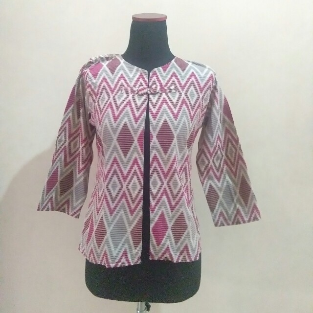 Outer batik pink