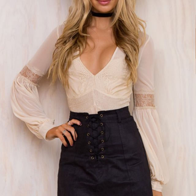 ⬇️💥OVER 65% OFF LACE DETAILED CROP