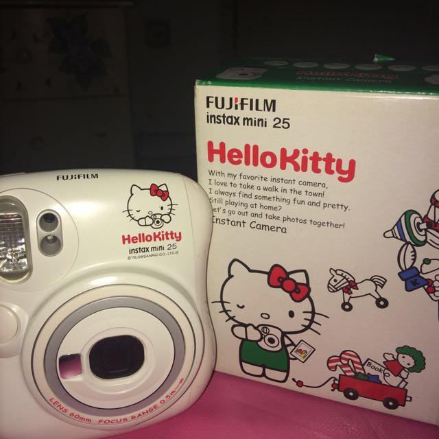 Polaroid 25s Hello Kitty
