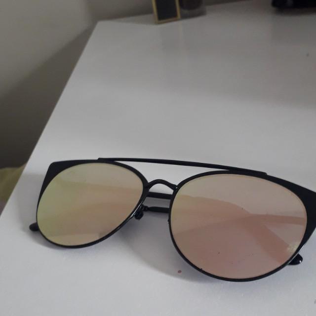 Rose gold reflective sunglasses