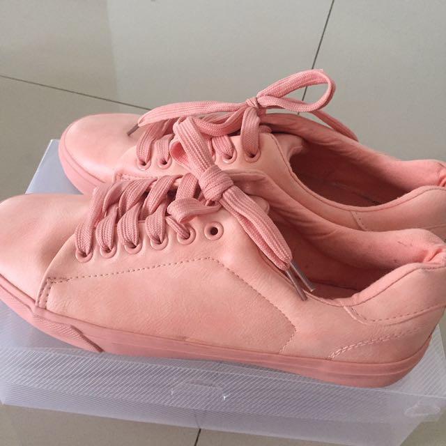 Rubi pink shoes size 40