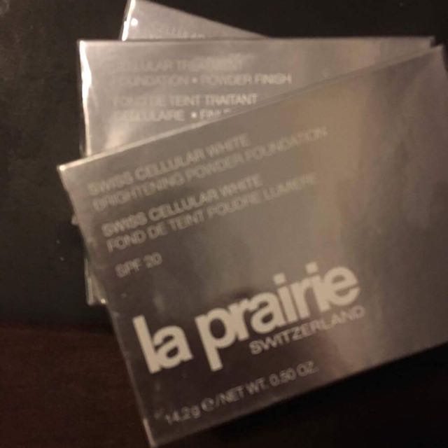 SALE!! La Prairie Brightening Powder Foundation