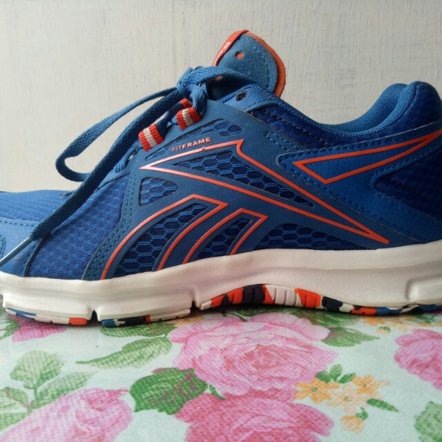 sepatu olahraga reebok 810f14355c