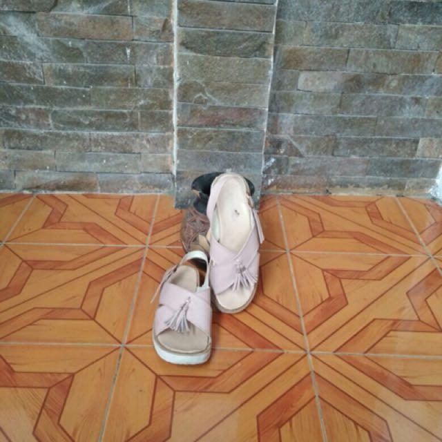 Sepatu sandal baby pink
