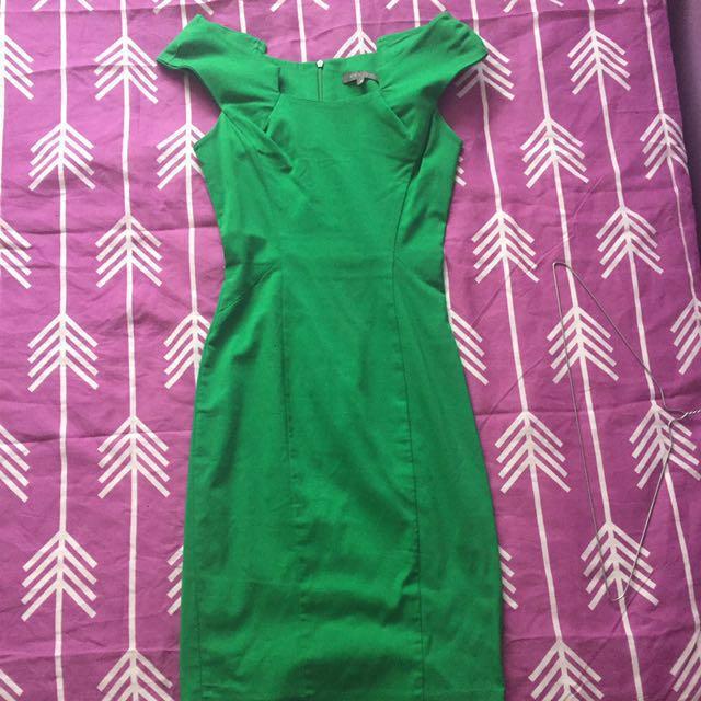 Sheike green dress size 6