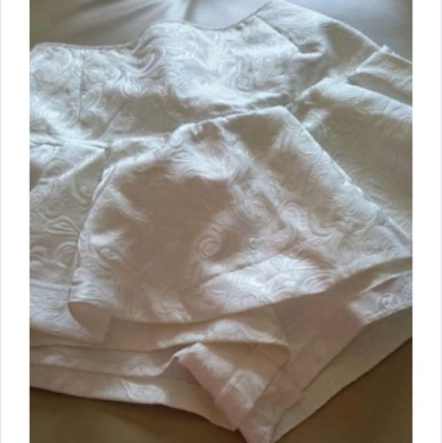 Sindel 壓花典雅白褲裙