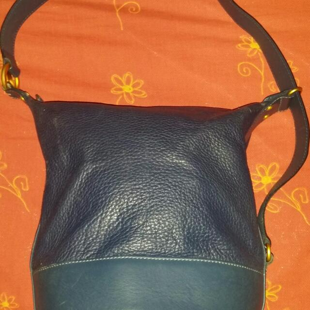 Supersale Na REPRICED PA!!! Authentic Guy Laroche Bucket 3 Way Bag