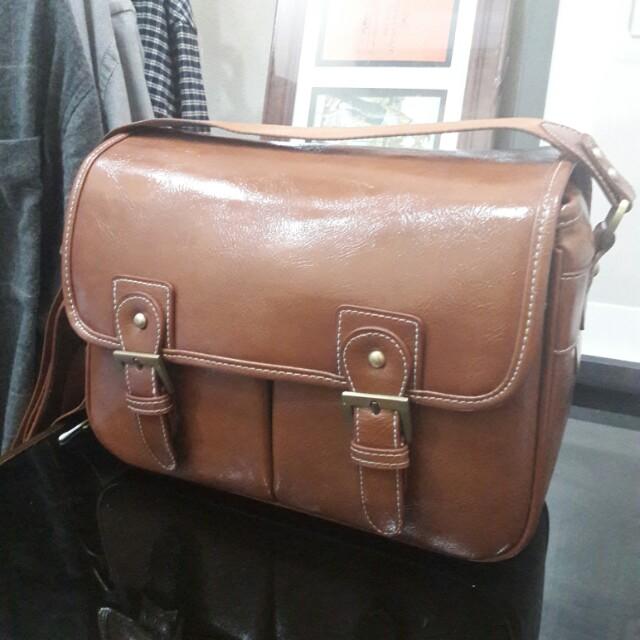Tas Kulit Kamera Vintage merek Non Bag