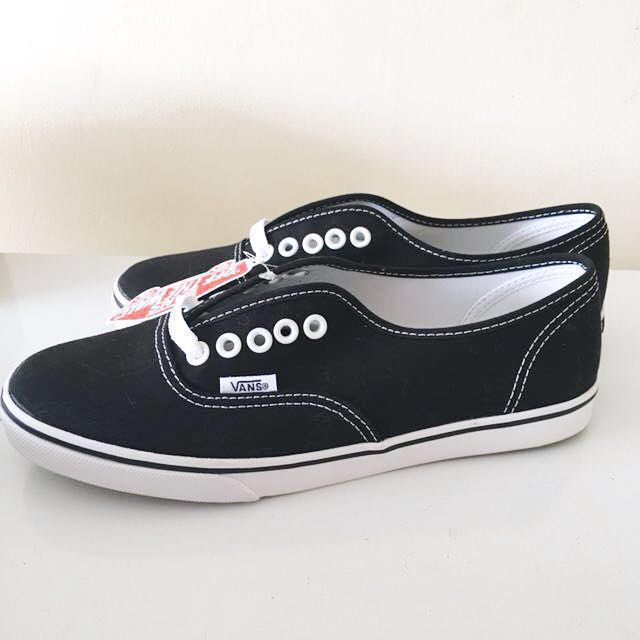 Vans Authentic Lo Pro Black [Size: 6 Mens, 7.5 Womens] New with TAGS