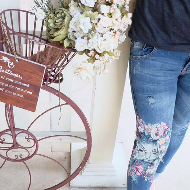 Zara jeans ripped BKK