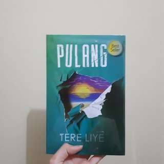 "Novel Tere Liye ""Pulang"""