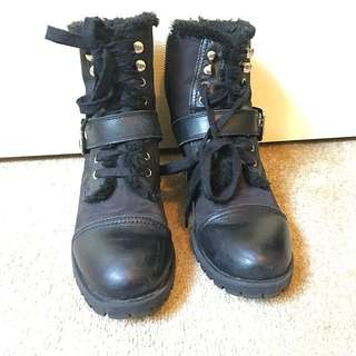 Tony Bianca buckle boots
