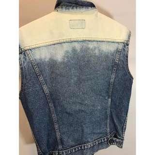 Levi's denim vest custom bleach size small