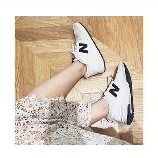 Newbalance247黑白球鞋