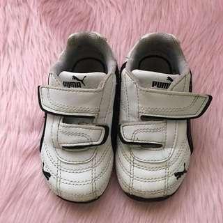 Puma white rubber shoes
