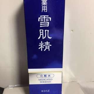 KOSE 雪肌精 化妝水 200ml 全新5月去日本買的 200ml 買太多所以售出 只有一瓶