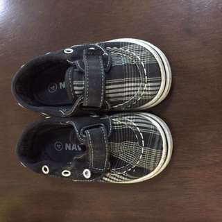 Baby boys shoes sandals USA Old Navy size 4-5