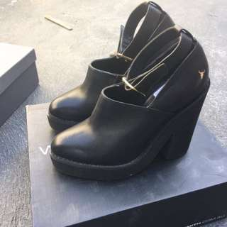 Windsor smith black booties size 5