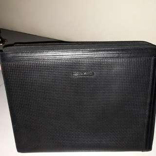 Piere Cardin Sleeve Laptop 13 inch / Kertas  A4