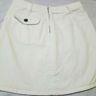 American Eagle dirty white skirt