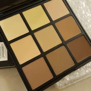 Last piece in stock MORPHE  9C - 9 COLOR HIGHLIGHT/CONTOUR PALETTE