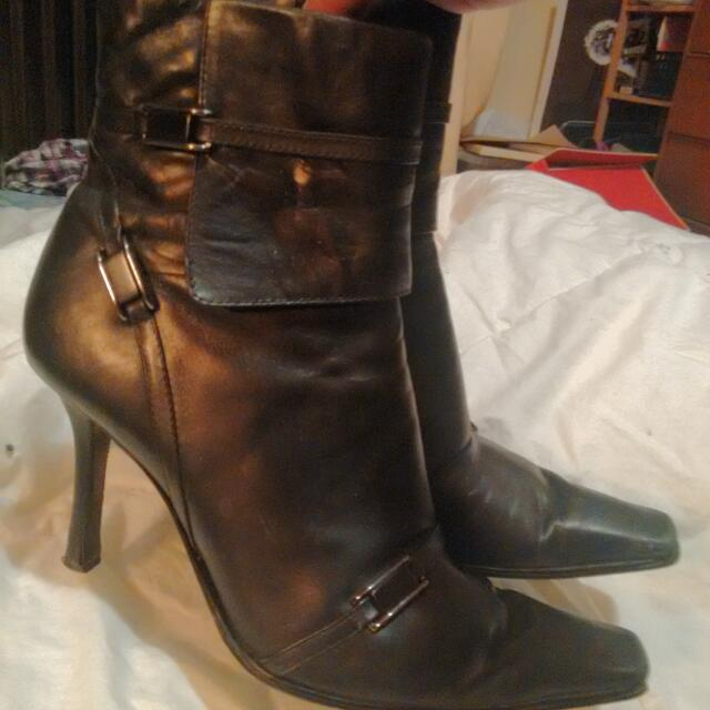 9 West:8.5w Black Ankle Boots