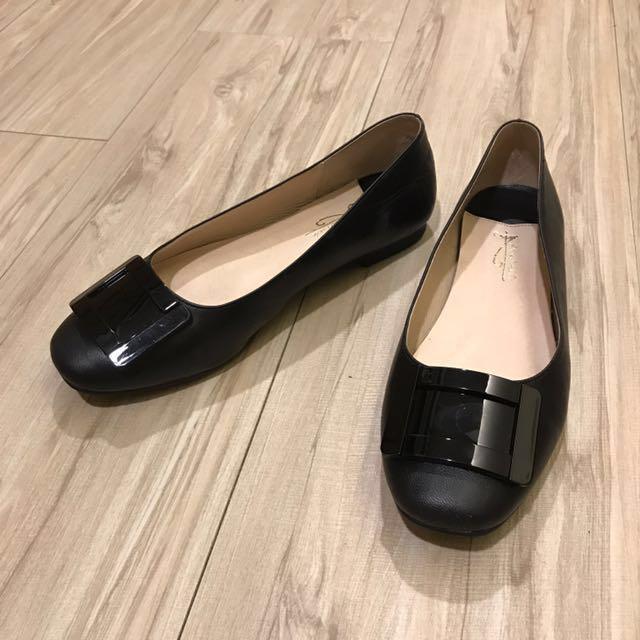 Avivi平底包鞋 僅穿10分鐘。原價1680