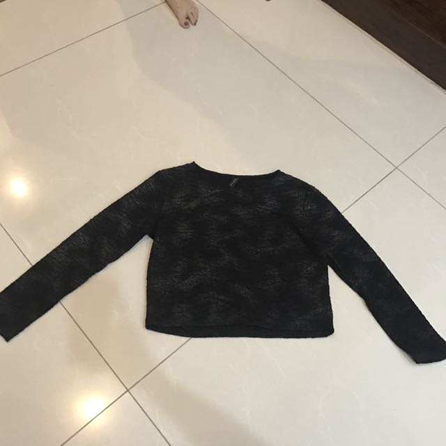 Baju hitam lengan panjang