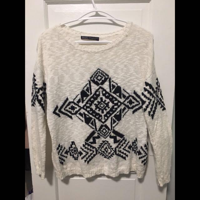 Bershka white sweater with black pattern